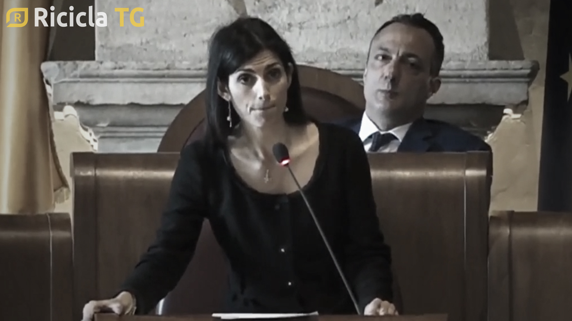 RIFIUTI ROMANI: È CRISI POLITICA - TG